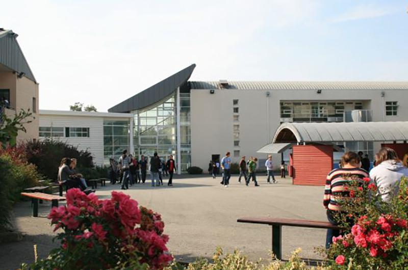 MAYENNE – ERNEE – Lycée Rochefeuille