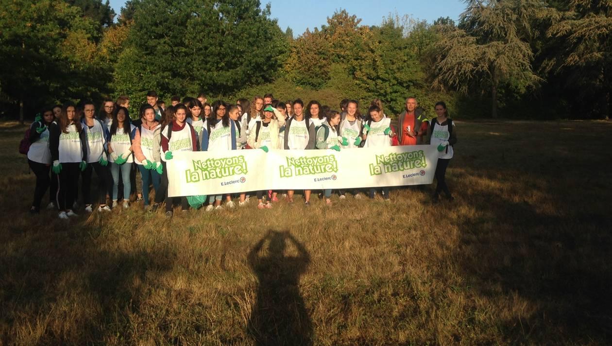 Action Eco-citoyenne par les lycéens de Jeanne Delannoue à Cholet