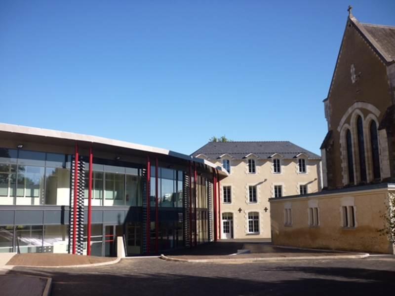 CHATEAU-GONTIER – Lycée Robert SCHUMAN